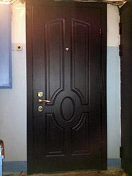 установка стальной двери на несколько квартир